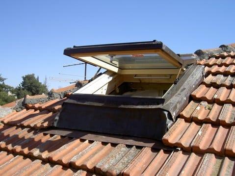 חלון גג מוגבה